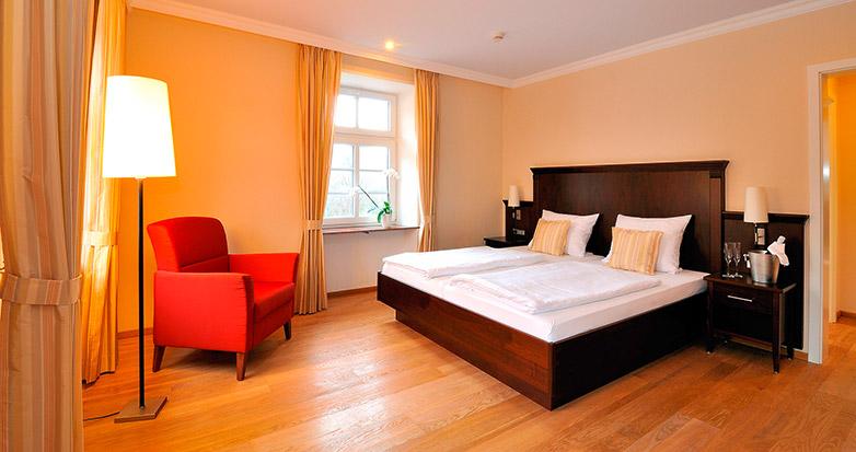 Für Allergiker sind alle Betten mit Bettwäsche aus Maulbeerseide ausgestattet